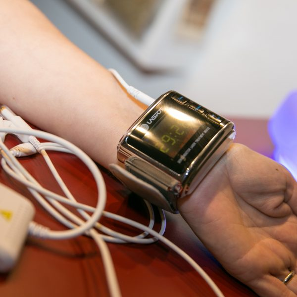 laserove-hodinky-snizuji-viskozitu-krve-bezbolestne-bez-leku-zakoupeni-bioret-praha